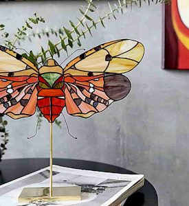 Three-Dimensional Botanics and Insects Are Sculpted in Elegant Stained Glass